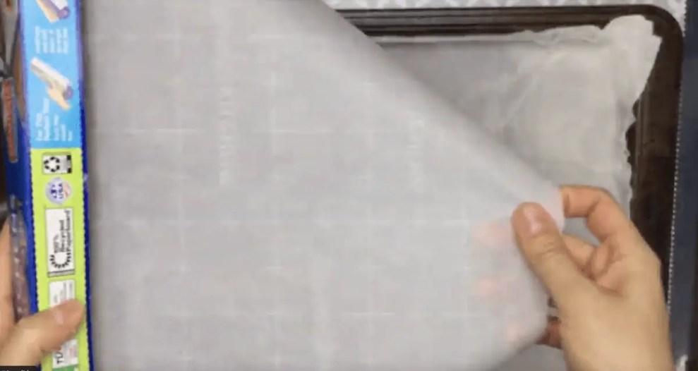 DIY Paint Palette tray parchment