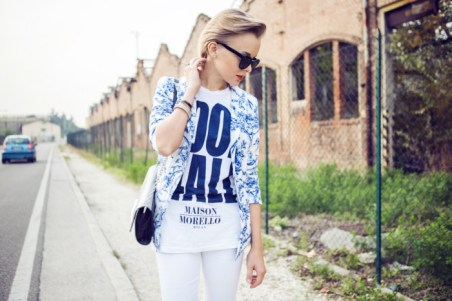 darya kamalova thecablook fashion blog street style outfit ootd frankie morello t shirt sheinside jacket giant vinatage shades white jeans asos guess black heels dvf flirty bag diane von furstenberg-5 копия