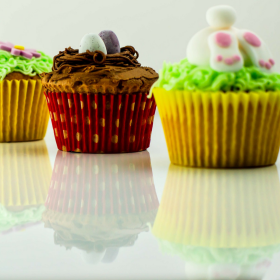 Easy to Make Easter Cupcakes and Marshmallow Eggs!