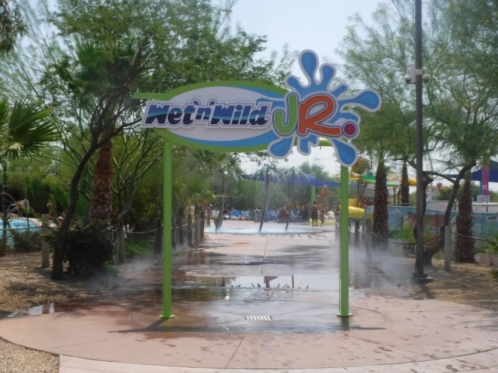 Younger children won't feel left out at Wet 'n' Wild, thanks to Wet 'n' Wild Jr, which has several kid friendly water rides.