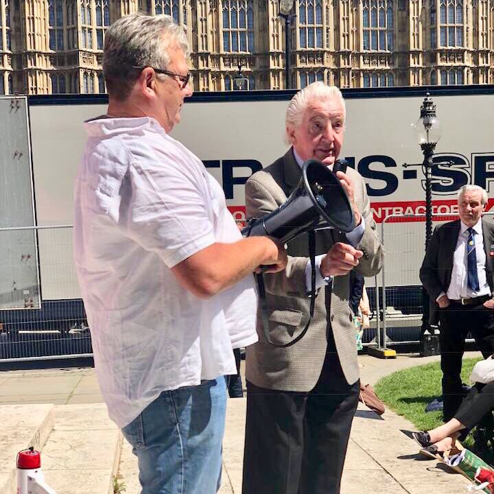 Dennis Skinner speaking at the miners rally
