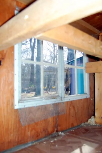 Deep Cleaning your Chicken Coop