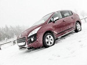 A Peugeot 3008 in winter