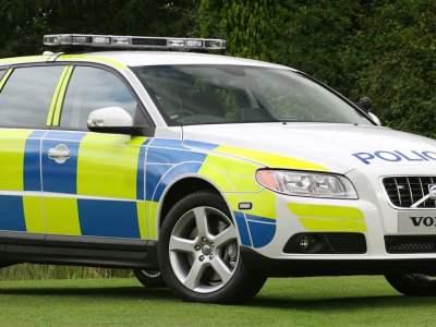Volvo-V70-police