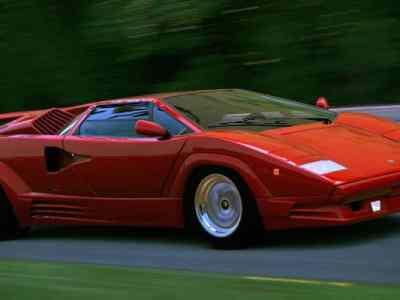 Lamborghini-Countach-01