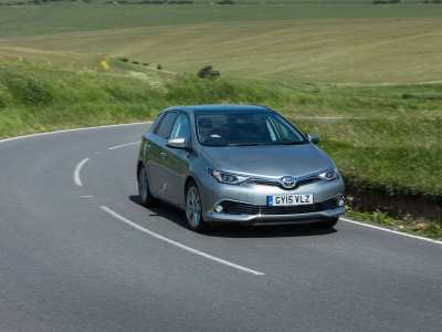 Toyota Auris review (The Car Expert)