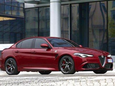 Alfa_Romeo_Giulia_Quadrifoglio