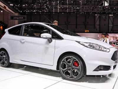 Ford_Fiesta_ST200