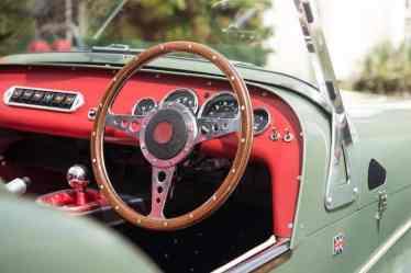 Caterham Seven Sprint interior 01