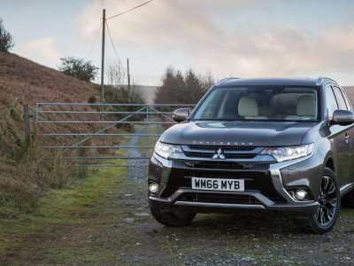 Mitsubishi-Outlander-PHEV-2017-featured