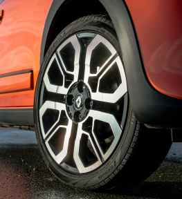 Renault Twingo GT wheel