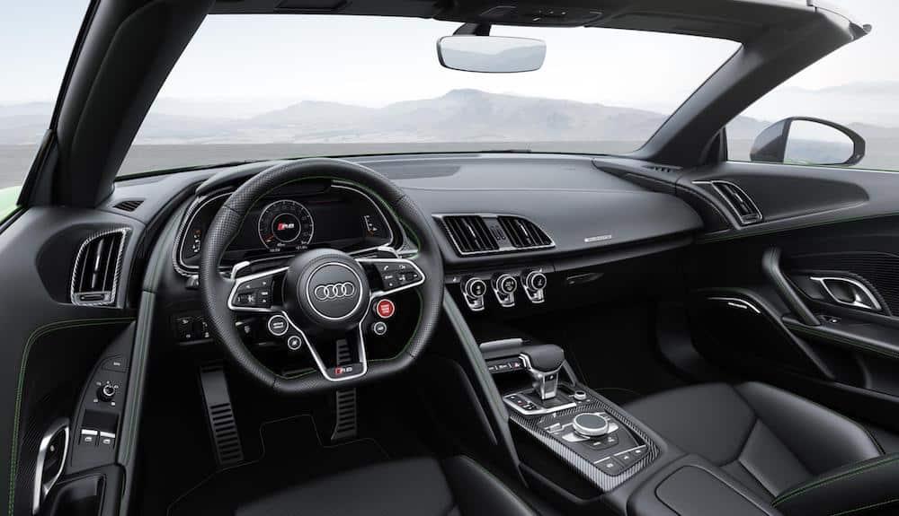 Audi R8 Spyder in micrommata green