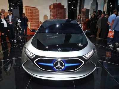 1709-Mercedes-Benz-EQA-Concept-03
