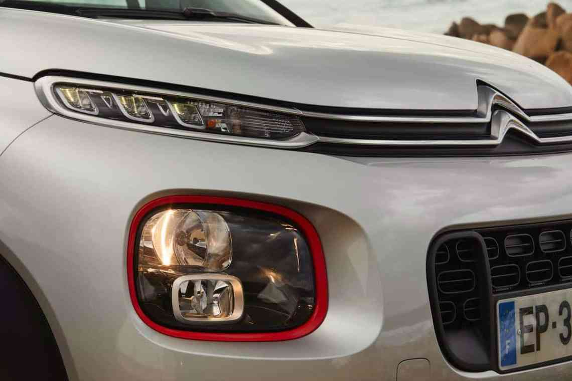 Citroen C3 Aircross headlight detail (The Car Expert)