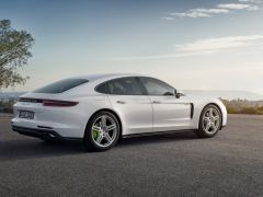 Porsche tops growing hybrid resale values