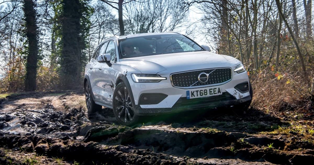 Volvo V60 Cross Country (2019) new car ratings | The Car Expert