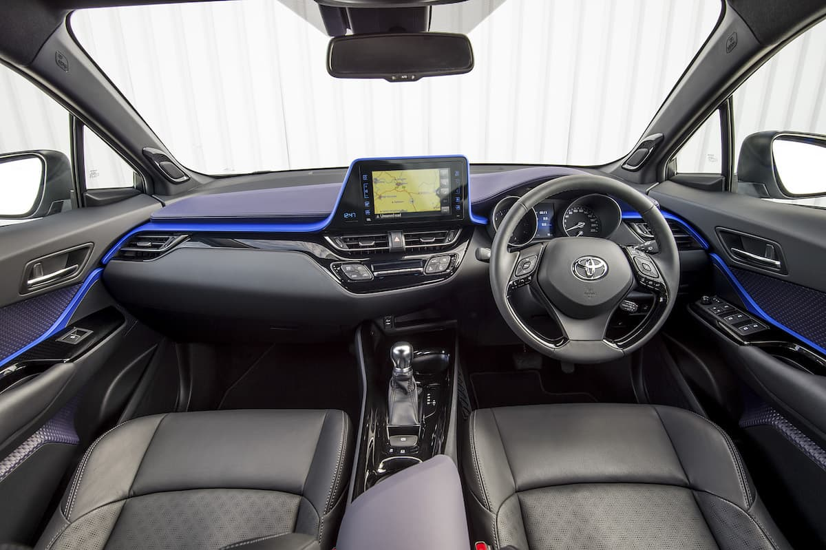 Toyota C-HR (2016 - present) - interior and dashboard | Expert Ratings | The Car Expert