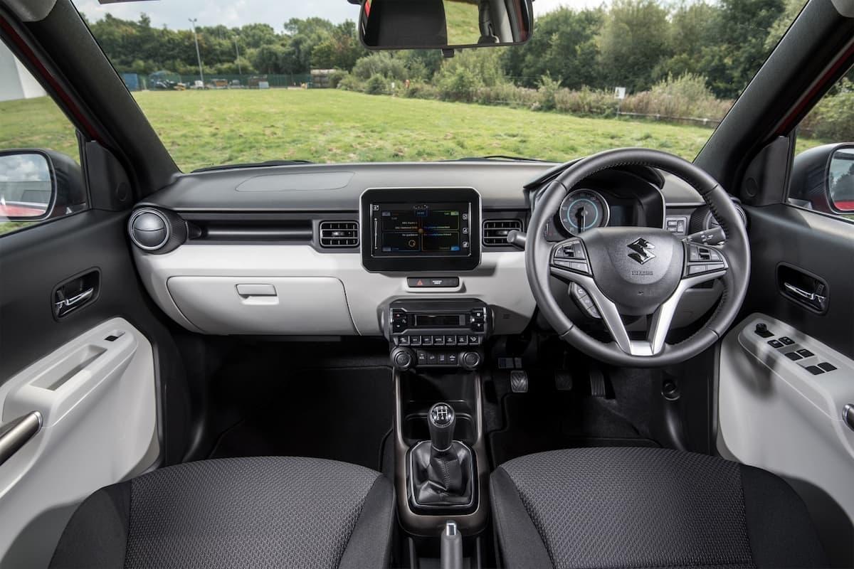 Suzuki Ignis SZ5 - interior and dasboard | The Car Expert