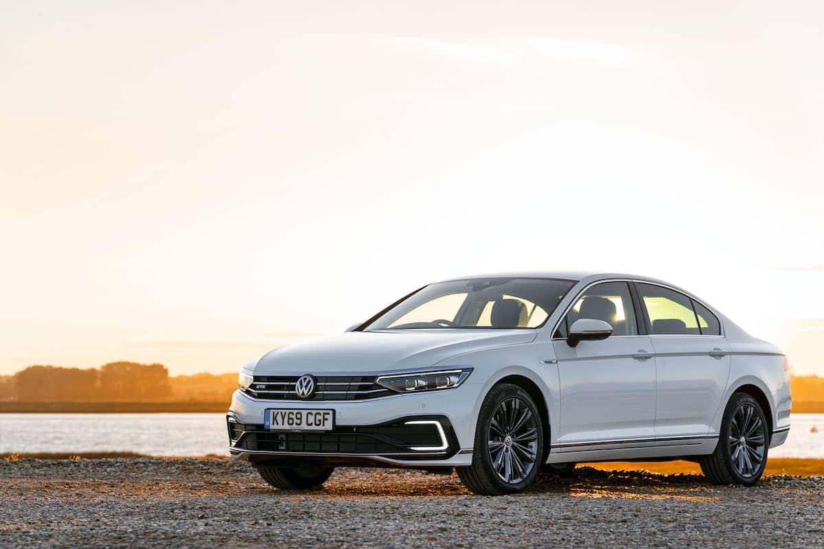 Volkswagen Passat GTE saloon - front | The Car Expert