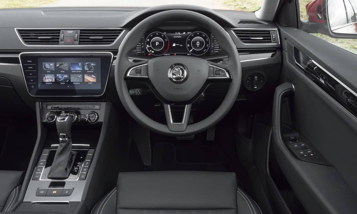 Skoda Superb - dashboard   The Car Expert