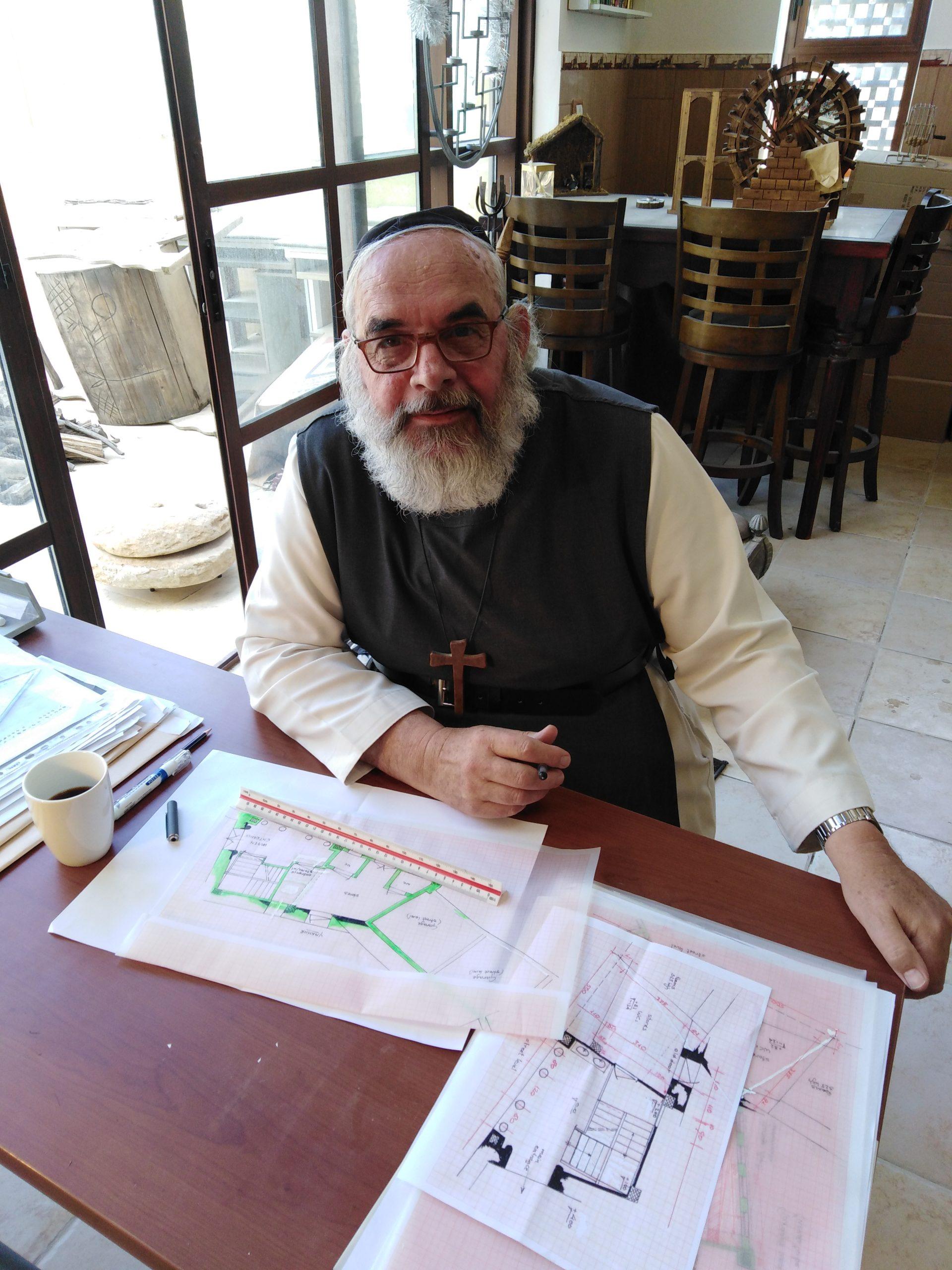 De 'priester met de schort': restaureren van gebouwen en mensen…