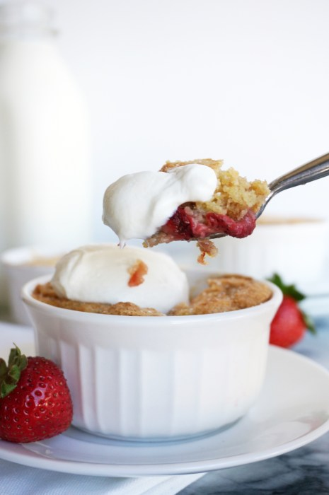 Strawberry Peach Breakfast Cobbler with Greek Yogurt