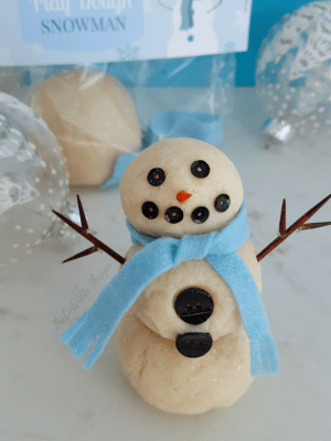 Build a Snowman Play-Dough Kit