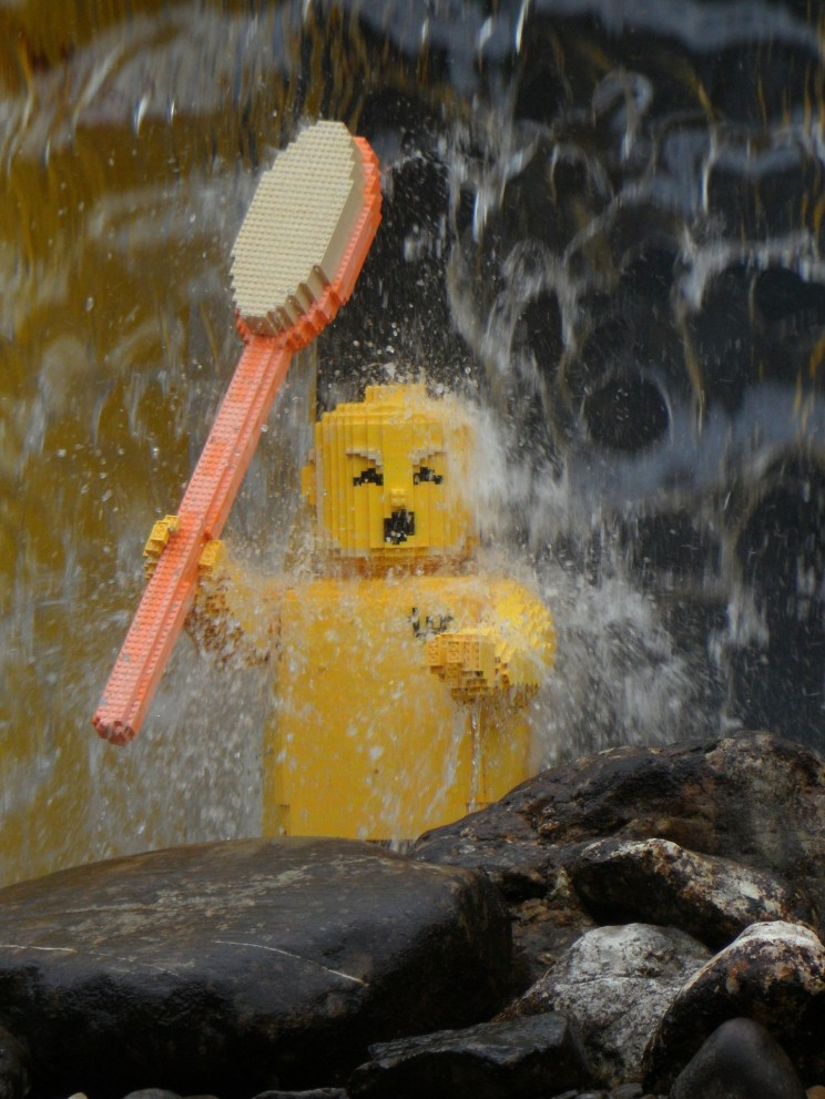 If you are planning a trip to LEGOLAND California, don't miss these tips to help you make the most of your stay! #LEGOLAND #California #vacation