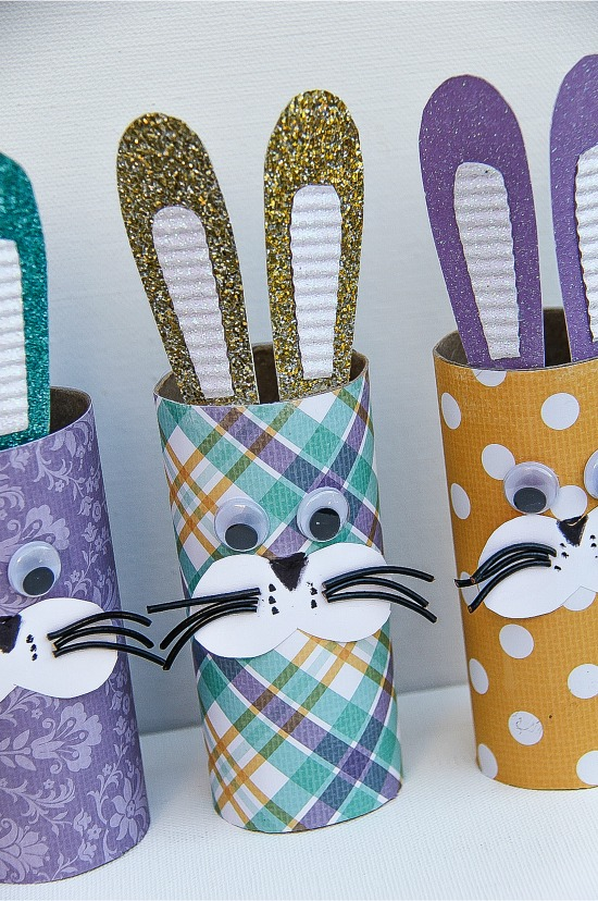 Easter crafts: How to make paper roll bunnies