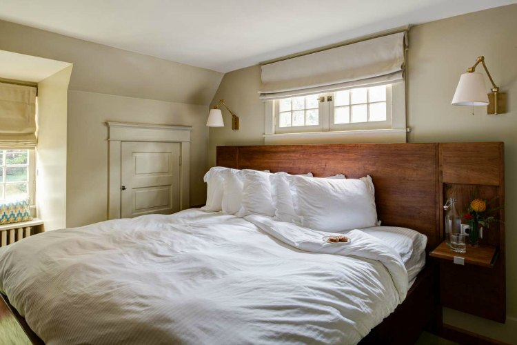 Tavern Room Oakhurst Inn