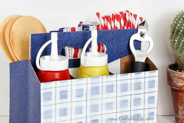 DIY picnic caddy for 4th of July | centsiblelife.com