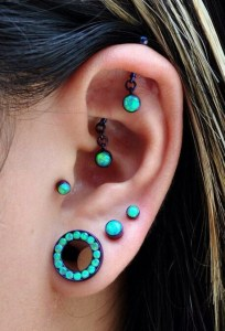 Graduate lobe piercings