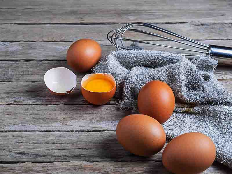 Get Thicker Eyebrows Naturally With Egg Yolk