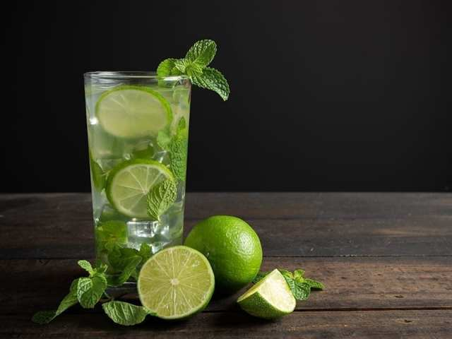 Lemon Water For Swollen Gums