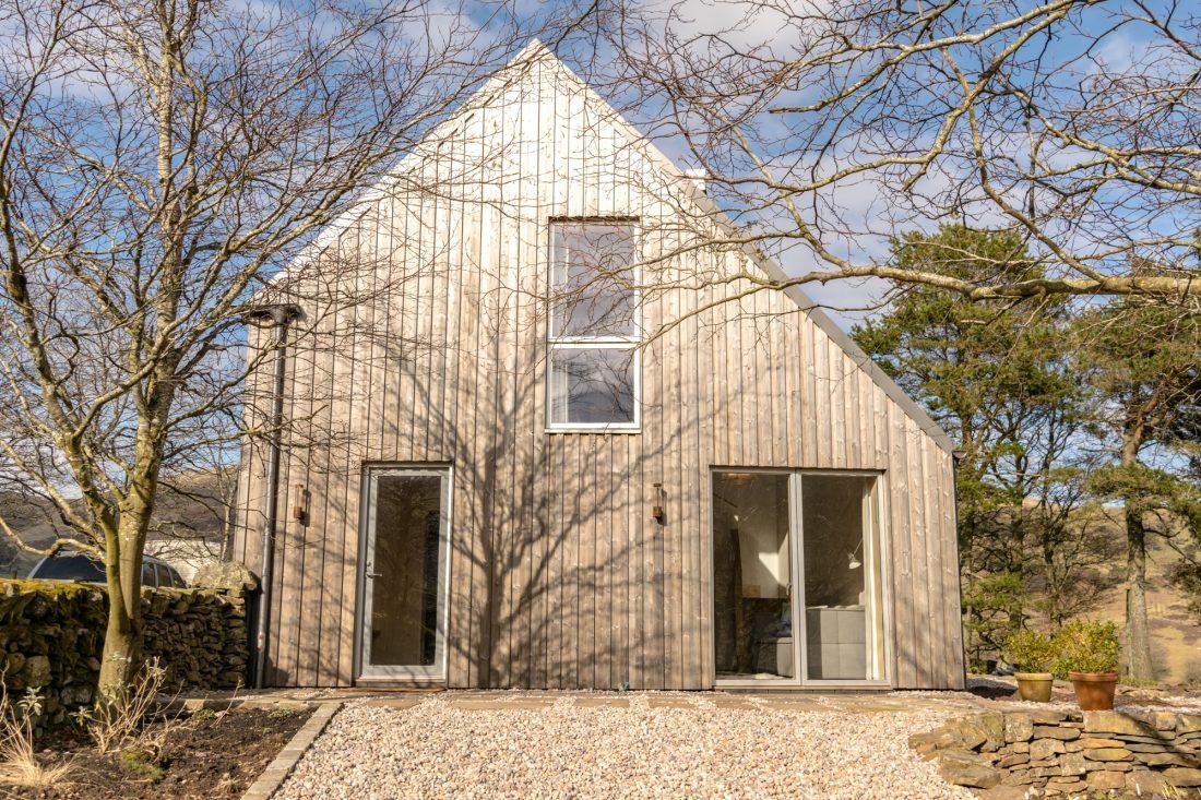 Westside Woodshed: A Super Cool Holiday Cottage Near Edinburgh