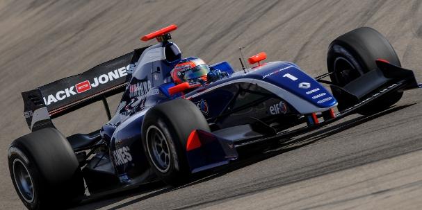 Kevin Magnussen, Carlin (Photo Credit: Renault Sport)