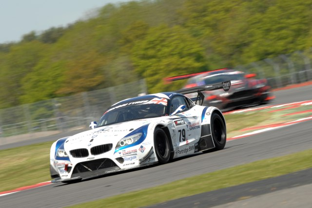 Ecurie Ecosse avoided the drama on track, quietly working into a winning position (Credit: Chris Gurton Photography)