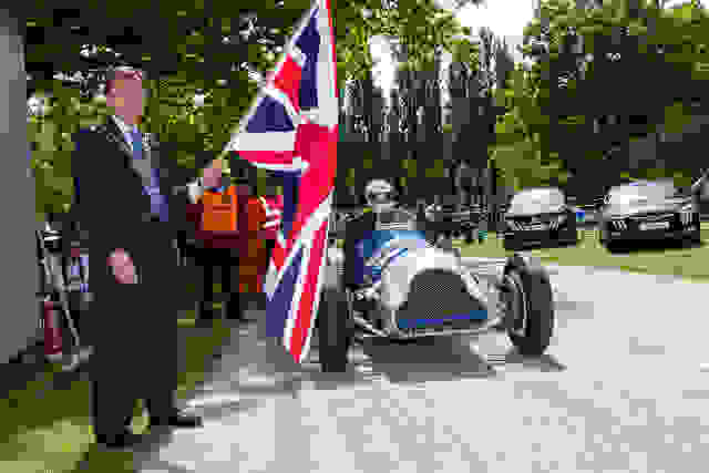 The Mayor of Bromley started the action (Photo Credit: (Credit: gridshots.com)