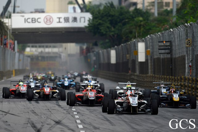 Lynn (#10) completed a double win on the Macau weekend (Credit: GCS)