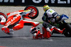 Torres tumbles and takes out Aegerter (Photo Credit: MotoGP.com)
