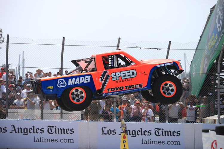 Gordon holds the record for longest jump in a SST at 160 feet