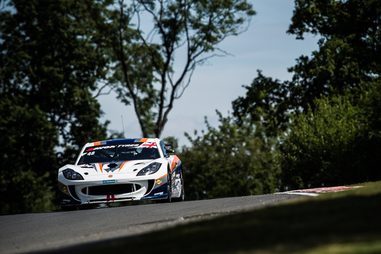 Fox Motorsport took their first British GT4 pole position (Credit: Tom Loomes Photography)