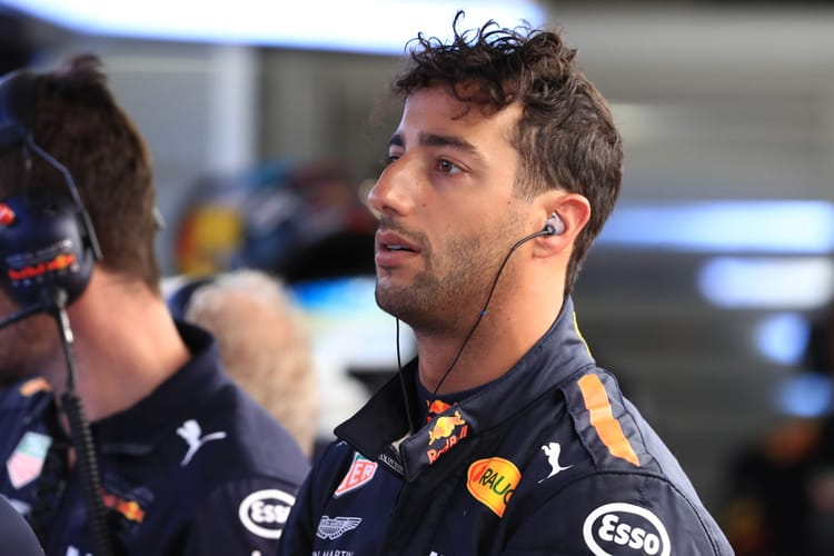 Daniel Ricciardo announces shock move to Renault Sport Formula One Team