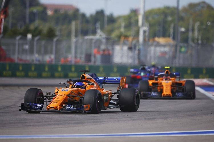 Fernando Alonso & Stoffel Vandoorne - McLaren F1 Team - Sochi Autodrom