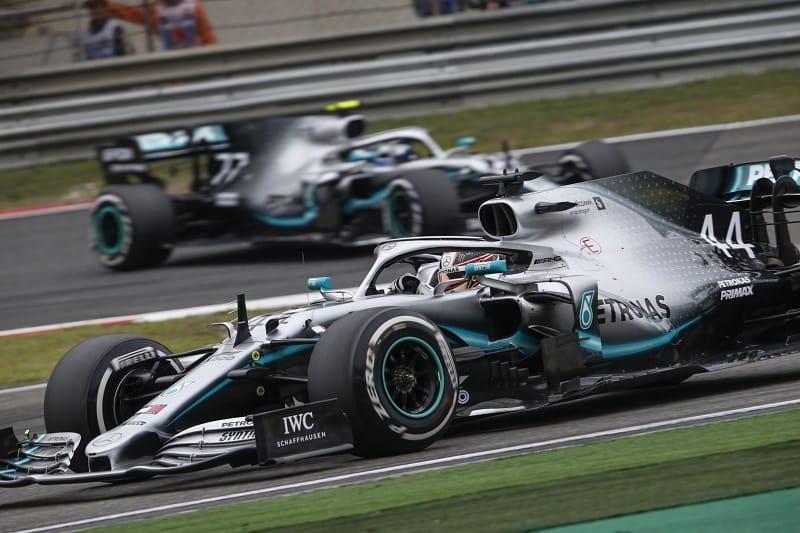 Lewis Hamilton & Valtteri Bottas - Mercedes AMG Petronas Motorsport - Shanghai International Circuit