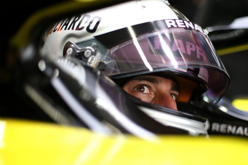 Daniel Ricciardo - Renault F1 Team - Shanghai International Circuit