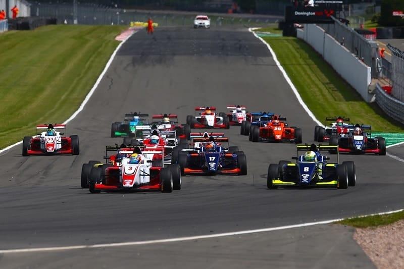 Donington Park race start