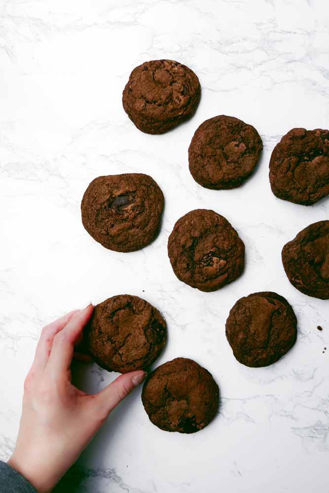 vegan double chocolate chip cookies