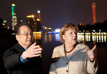 "China reassures that it does not ""buy Europe"""