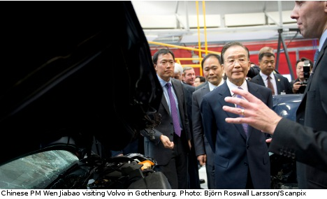 Wen Jiabao visited headquarter of Volvo and watched vehicle crash test